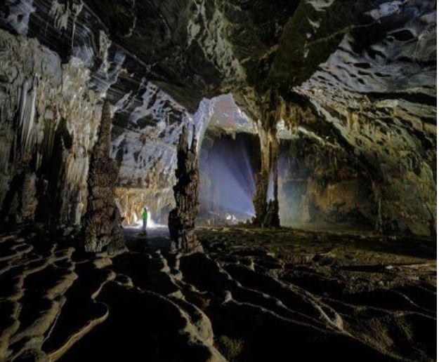 Hang Tien Endeavor 2 Days- Phong Nha Locals Travel
