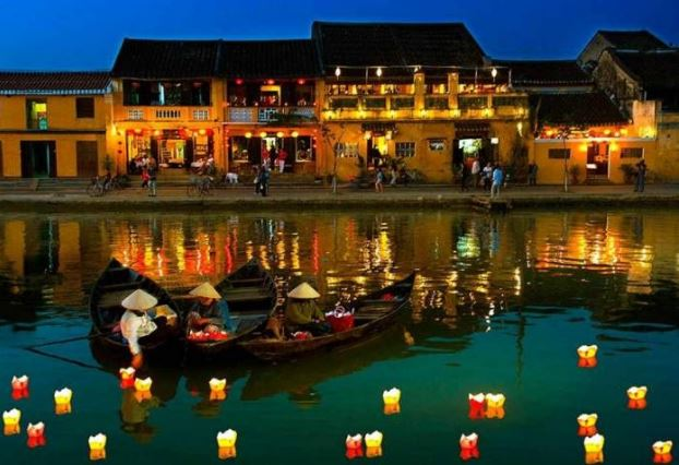 Phong Nha to Hoi An by Limousine - Phong Nha Locals