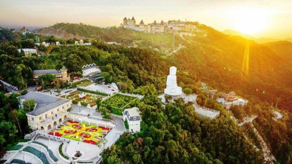 Da-Nang-To-Ba-Na-Hills-By-Private-Car-Phong-Nha-Locals-Travel