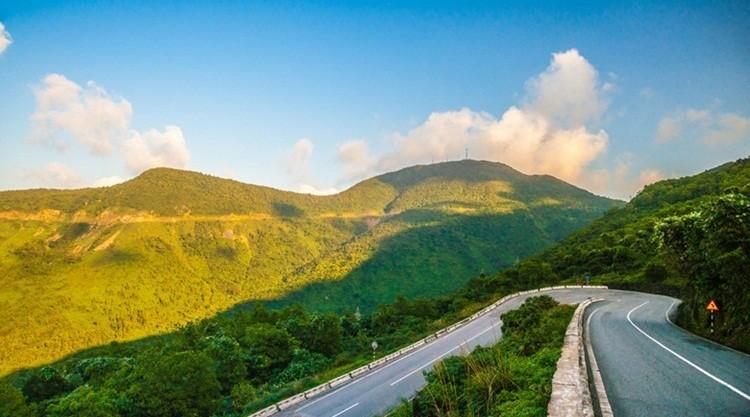 Hai Van Pass- Phong Nha Locals Travel