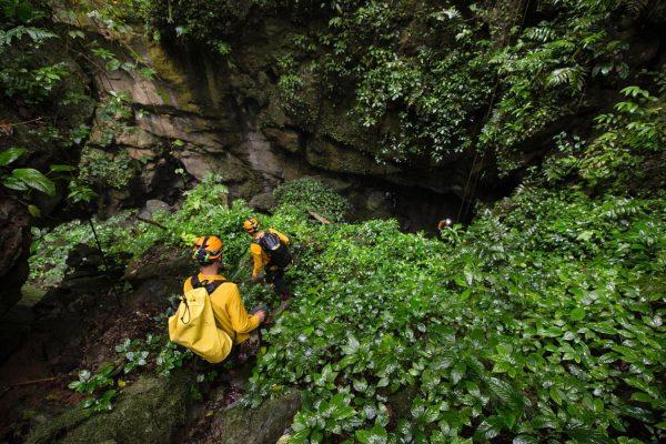 Hang Va Expedition 2 Days- Phong Nha Locals Travel