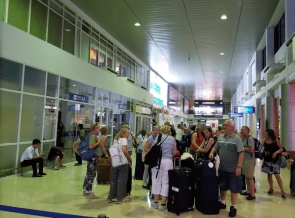 Hue Airport Transfer- Phong Nha Locals Travel