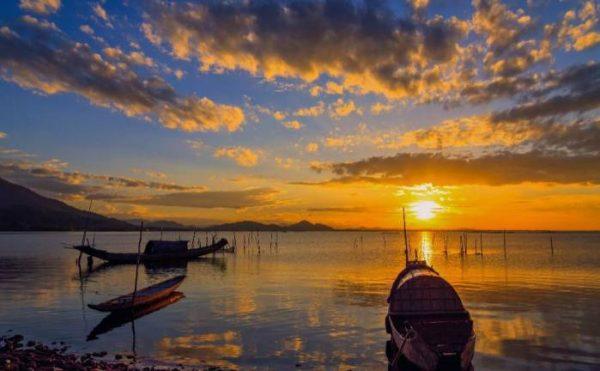 Hue to Danang airport- Phong Nha Locals Travel