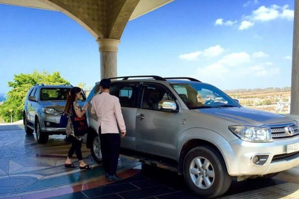 Hue to Hoi An by private car- Phong Nha Locals Travel