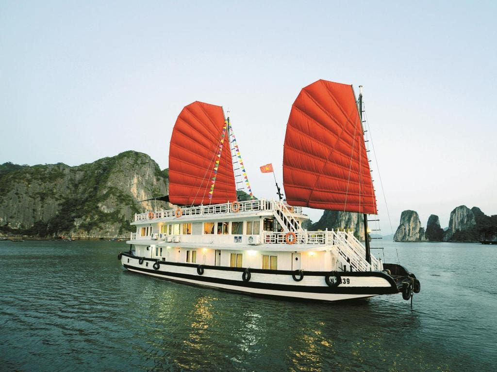 Phong Nha- Hanoi- Ha Long Bay Cruise 3 Days