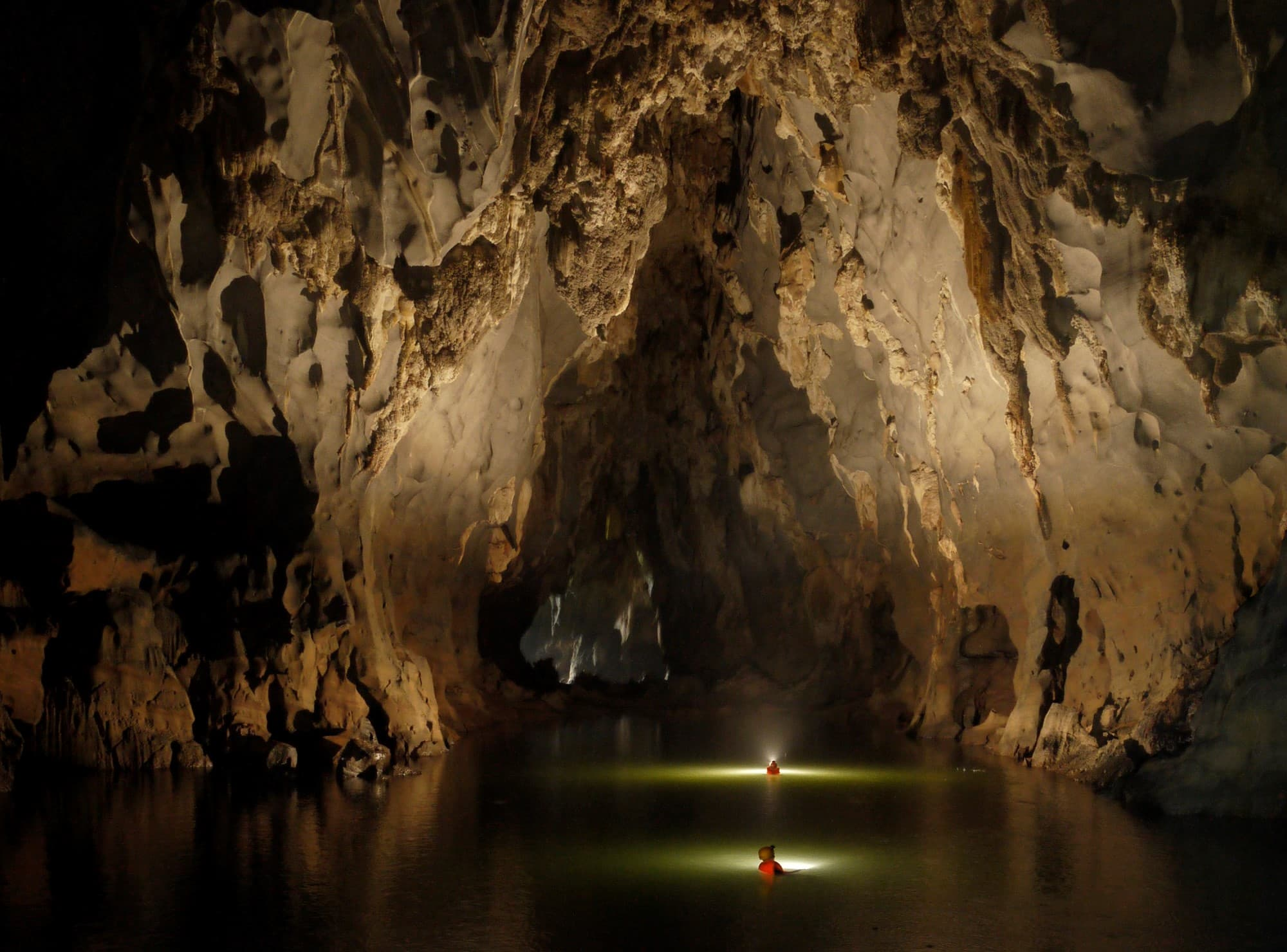Phong Nha and Dark Cave Deluxe Group Tour- Phong Nha Locals Travel