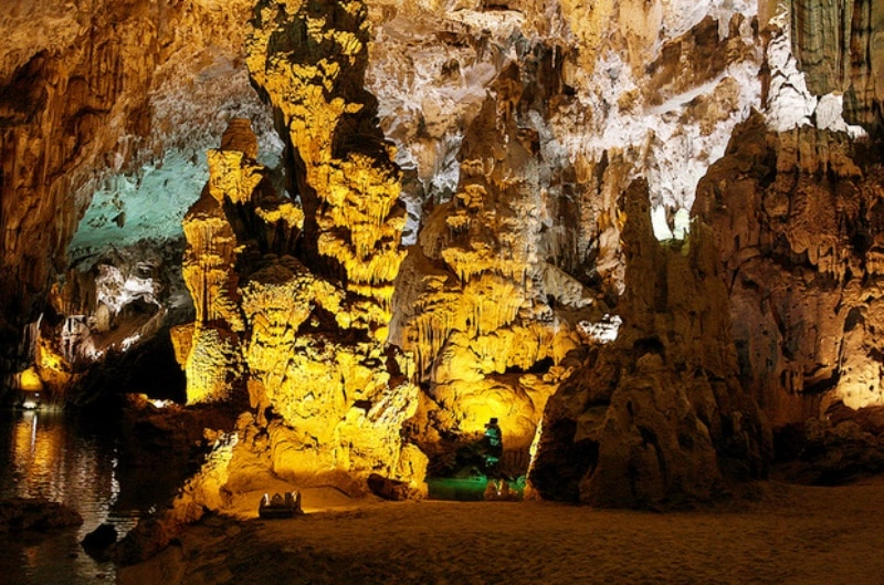 Phong Nha and Paradise Cave Deluxe Group Tour- Phong Nha Locals Travel