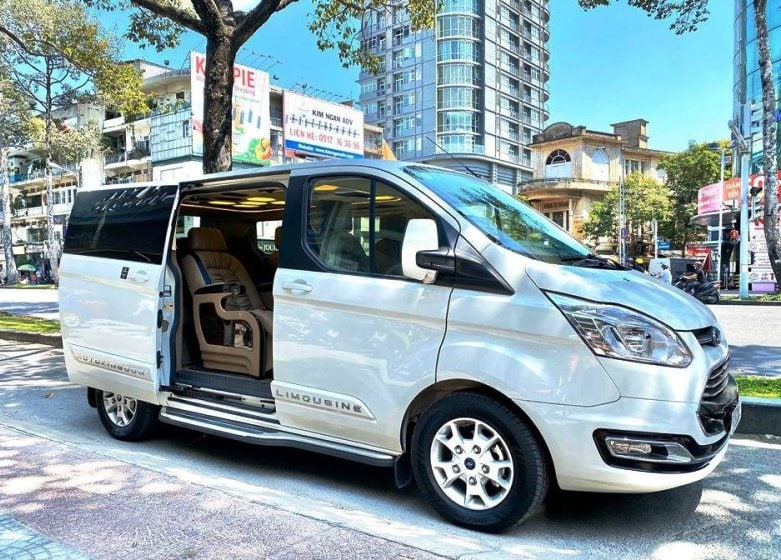 Phong Nha to Hoi An by Limousine
