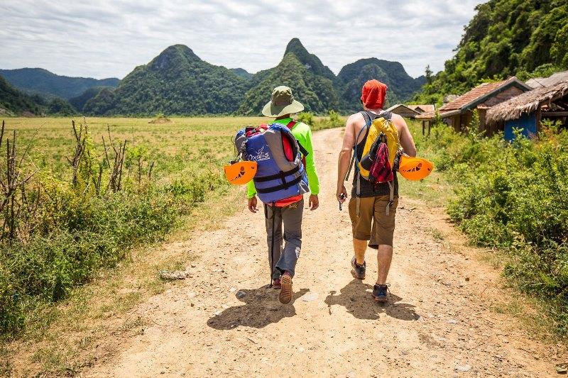 Tu Lan Photography Tour- Phong Nha Locals