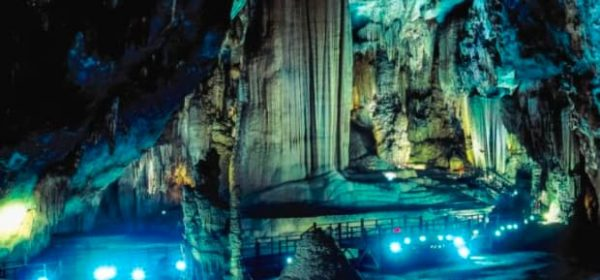 Paradise Cave and Phong Nha Cave Deluxe group tour - Phong Nha Locals