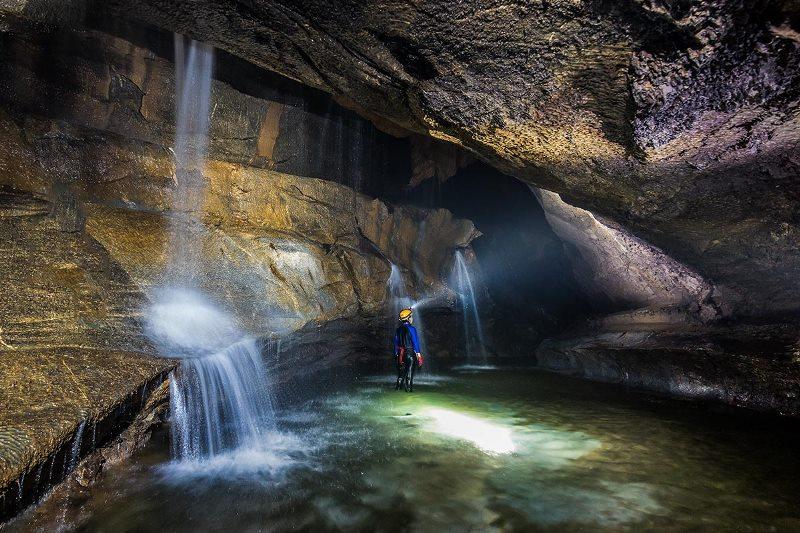 Hang Va Cave- Phong Nha National Park- Phong Nha Locals