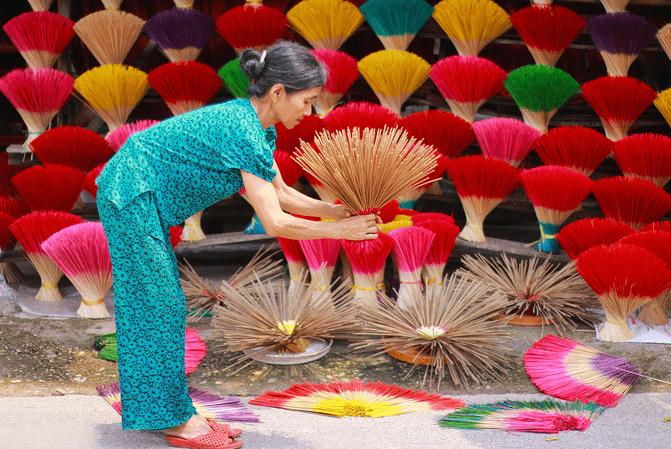 Hue craft villages